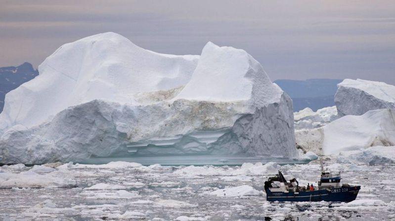 市場很難為格陵蘭大冰棚崩塌這類氣候變遷的不確定性因素定價。圖/美聯社