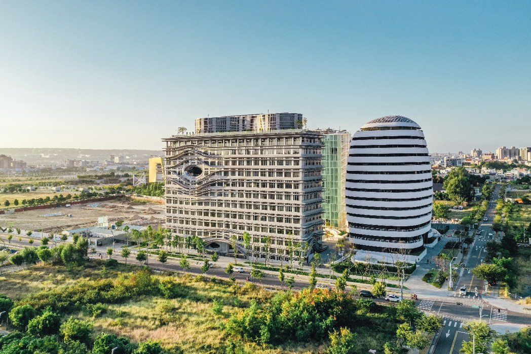 中國醫藥大學成立水湳校區,進一步帶動當地醫學、文化以及房市發展,活絡中清路周邊商...