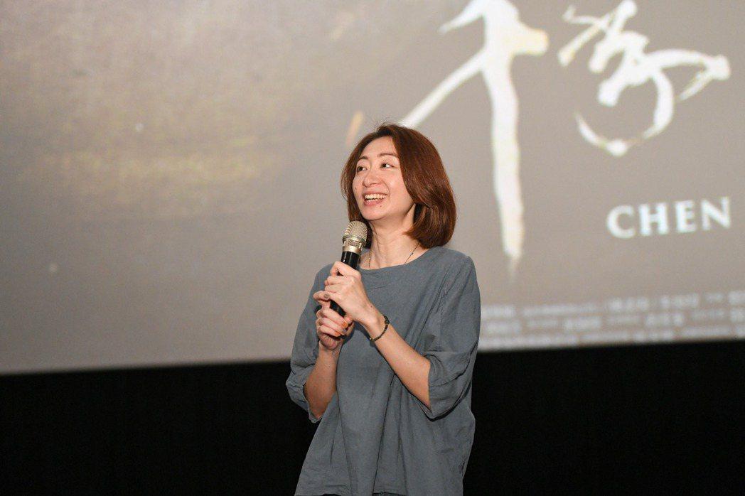 導演王婉柔分享「千年一問」拍攝過程的點點滴滴。圖/牽猴子整合行銷提供
