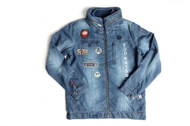 江戶勝經典立領連帽鋪棉牛仔外套,限量6件6,980元。圖/EDWIN提供