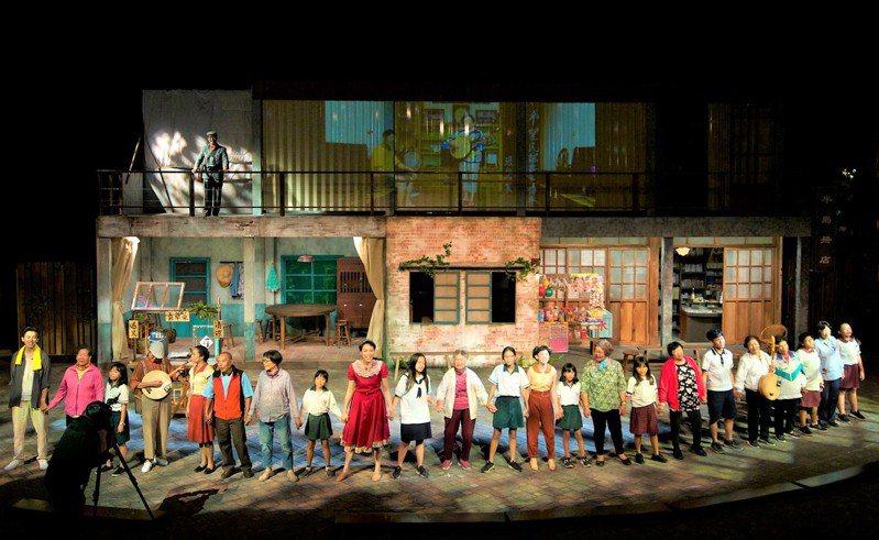 去年在屏東半島歌謠季驚豔演出的民謠舞台劇「半島風聲、相放伴」,24日將登上台北花博舞蝶館舞台。記者潘欣中/翻攝