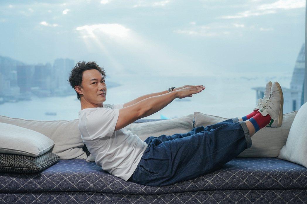 陳奕迅在疫情間養成打網球、健身的習慣。圖/環球音樂提供