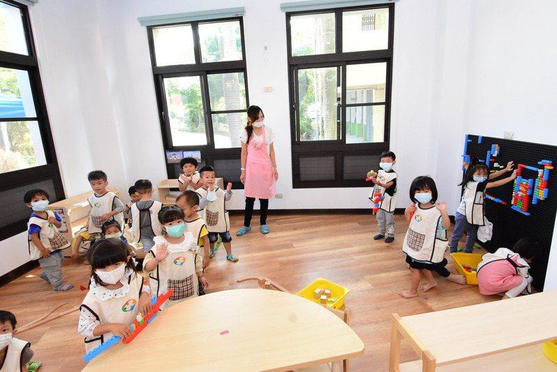 彰化縣政府繼去年增設8家非營利幼兒園,今年斥資1億6807萬元,新、修建教室再設立5家。記者林敬家/攝影