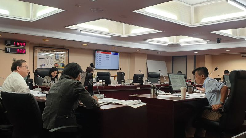 北市議員李明賢表示,東環段若無法增設站點或出入口,北市捷運局應給明確說法。記者胡瑞玲/攝影