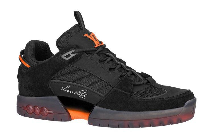 A View黑橘色運動鞋,39,300元。圖/LV提供