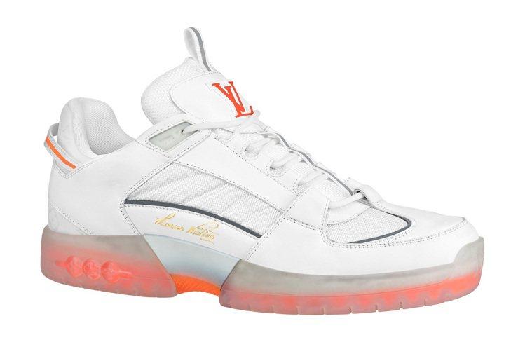 A View白橘色運動鞋,39,300元。圖/LV供