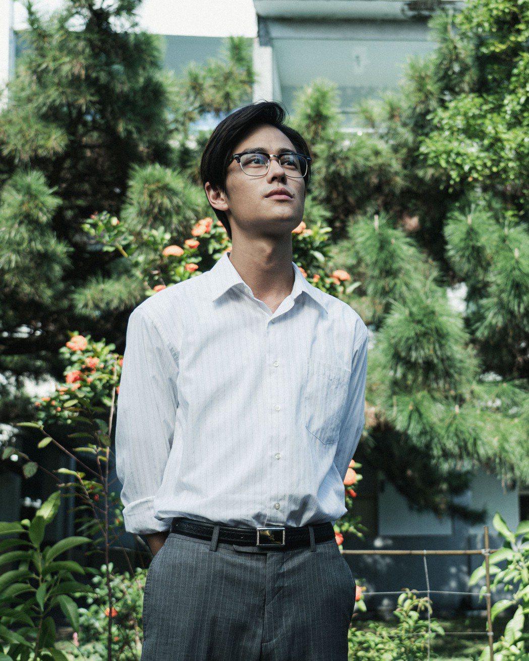 夏騰宏飾演60年代讀書會事件主人翁「張老師」。圖/公視提供