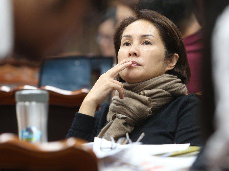 蔡英文聽取原住民事務部專案報告後問「她為什麼可以做到這樣?」,引發 「高金素梅現象」的熱議。圖/聯合報系資料照片