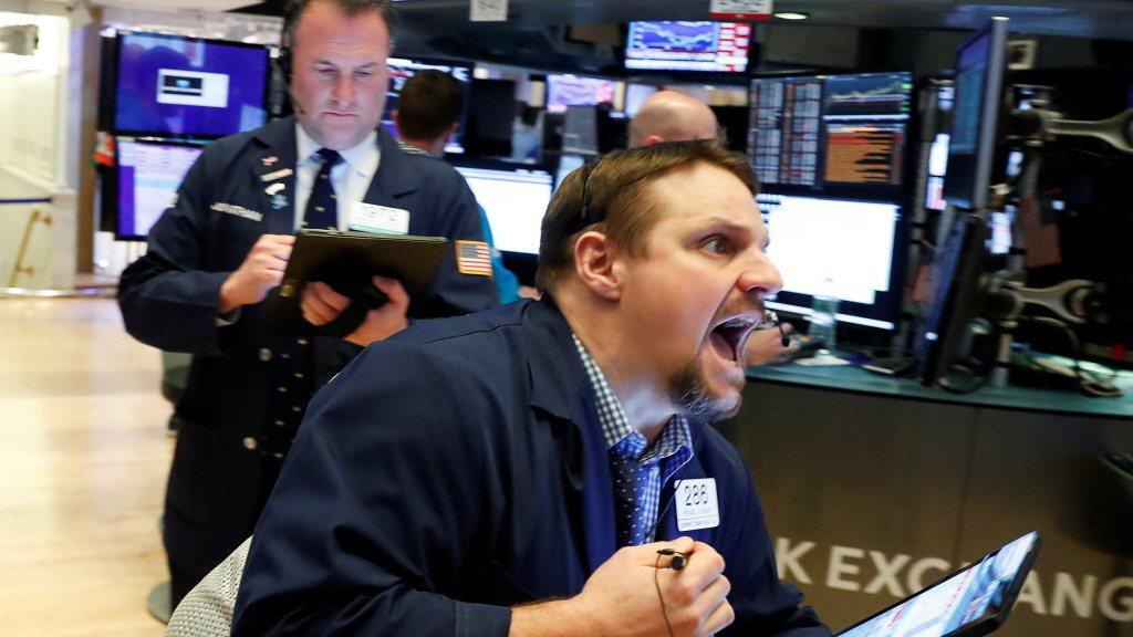 美股四大指數20日早盤走高,投資人正密切關注新一輪紓困方案能否在20日結束前敲定...