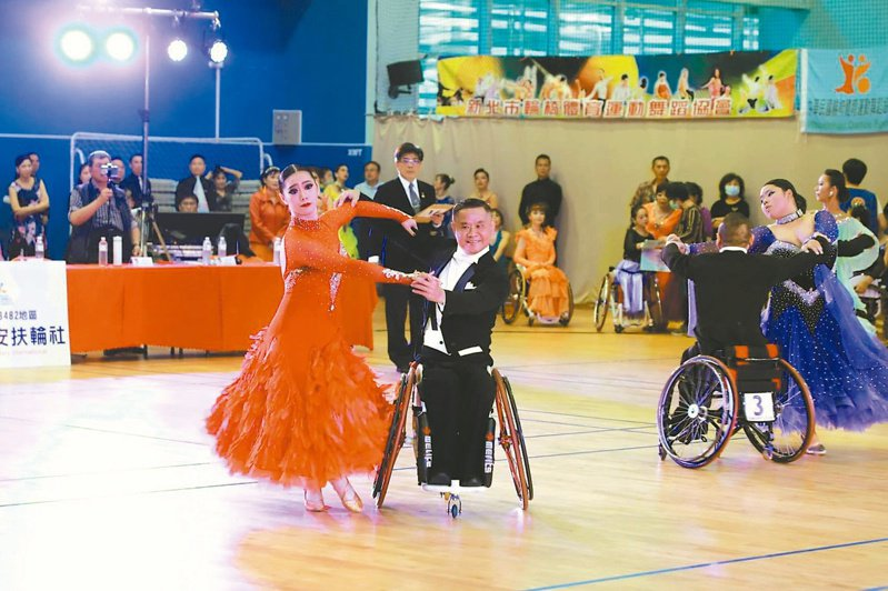 蔡秀慧在北港催生國內首場國際輪椅舞賽,讓國內舞者光鮮站上國際舞台。記者蔡維斌/攝影
