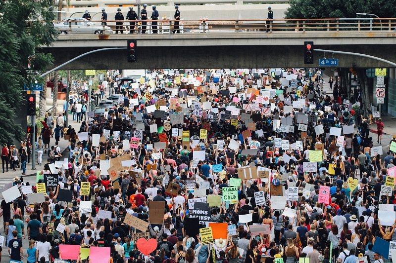 英國劍橋大學,學生與環境運動人士的壓力撤資運動的勝利。 圖/CSRONE