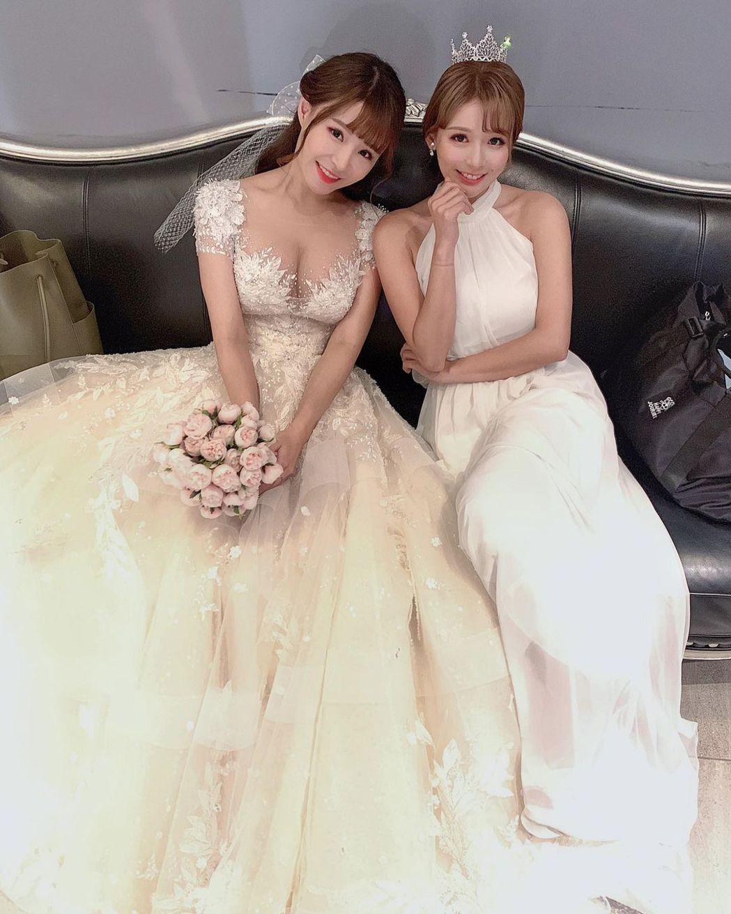元元與林莎去年一起拍婚紗照。圖/擷自IG