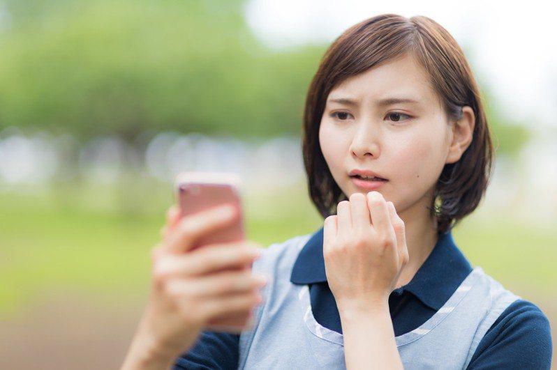 網友抱怨保險推銷電話無孔不入。 圖/pakutaso