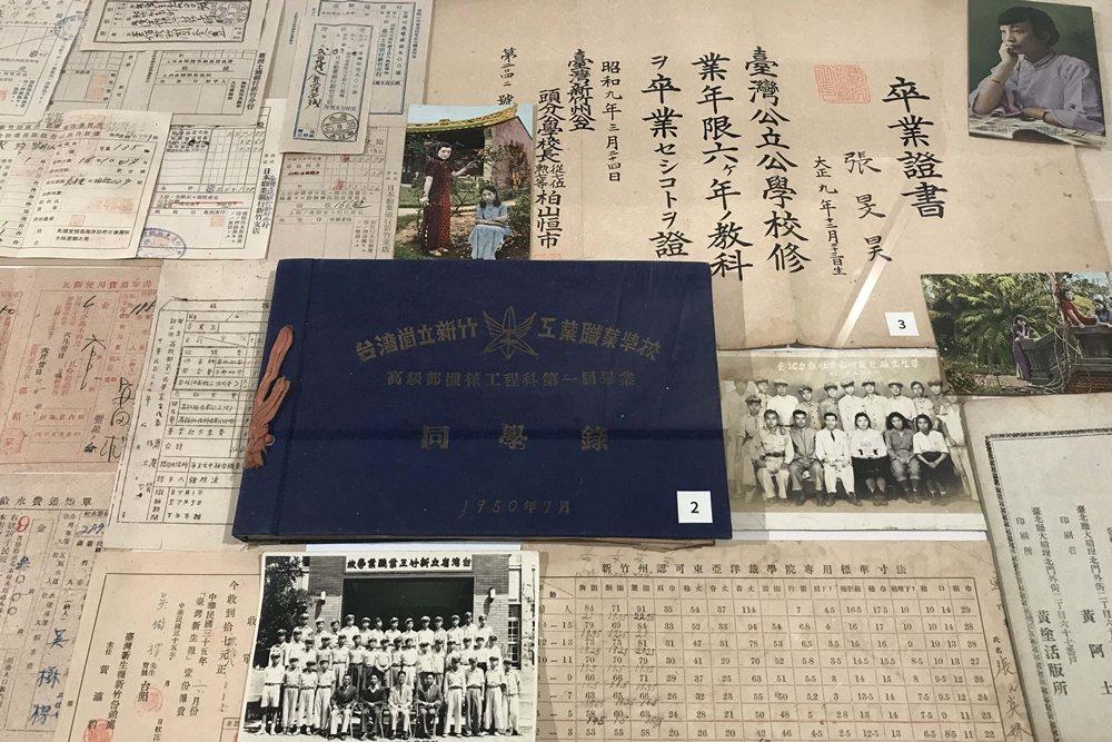 這些在外流落已久的日治時期珍稀台灣文獻與文物,終於有機會和當年原本屬於那個時代的歷史空間彼此相遇。 圖/作者自攝