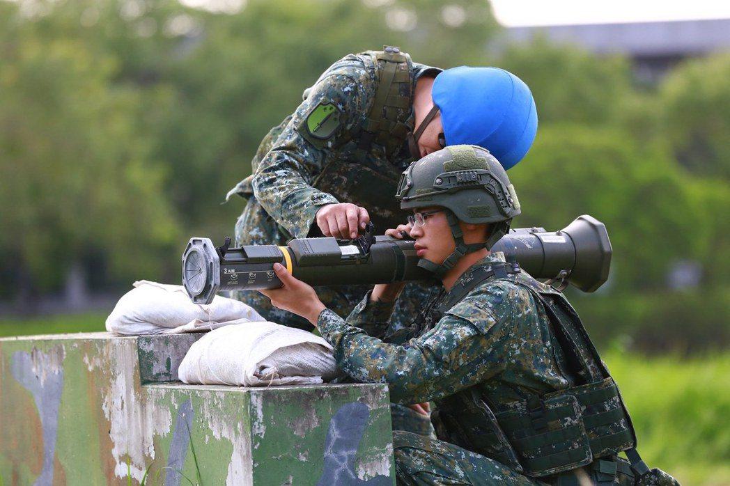 若能在短天期的後備召集動員中,酌量增加能與社會交互運用的軍事項目,也是一個改革方向。 圖/青年日報