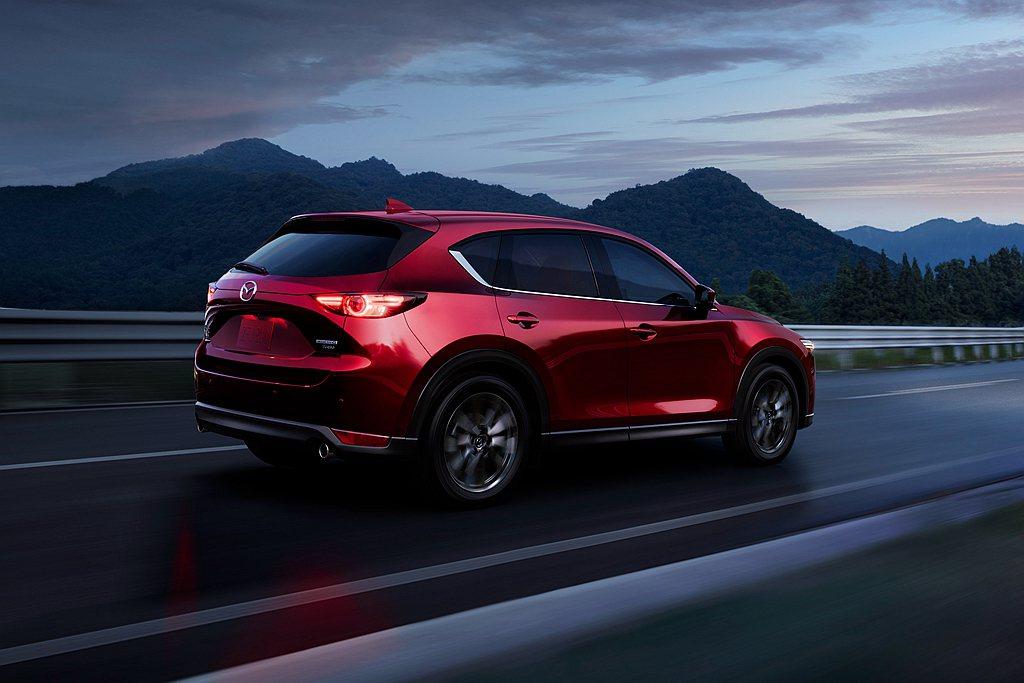 北美市場最熱賣的依舊是Mazda CX-5休旅車,年度累積銷售達到104,277...