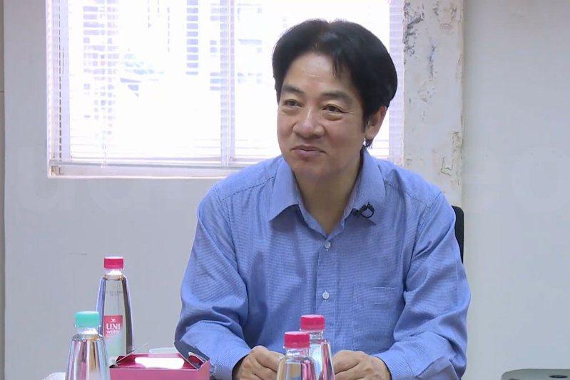 副總統賴清德參訪社團法人台灣視障協會附設「愛幸福庇護工場」,與身心障礙朋友共同製作手工香皂。 圖/翻攝自UDNTV