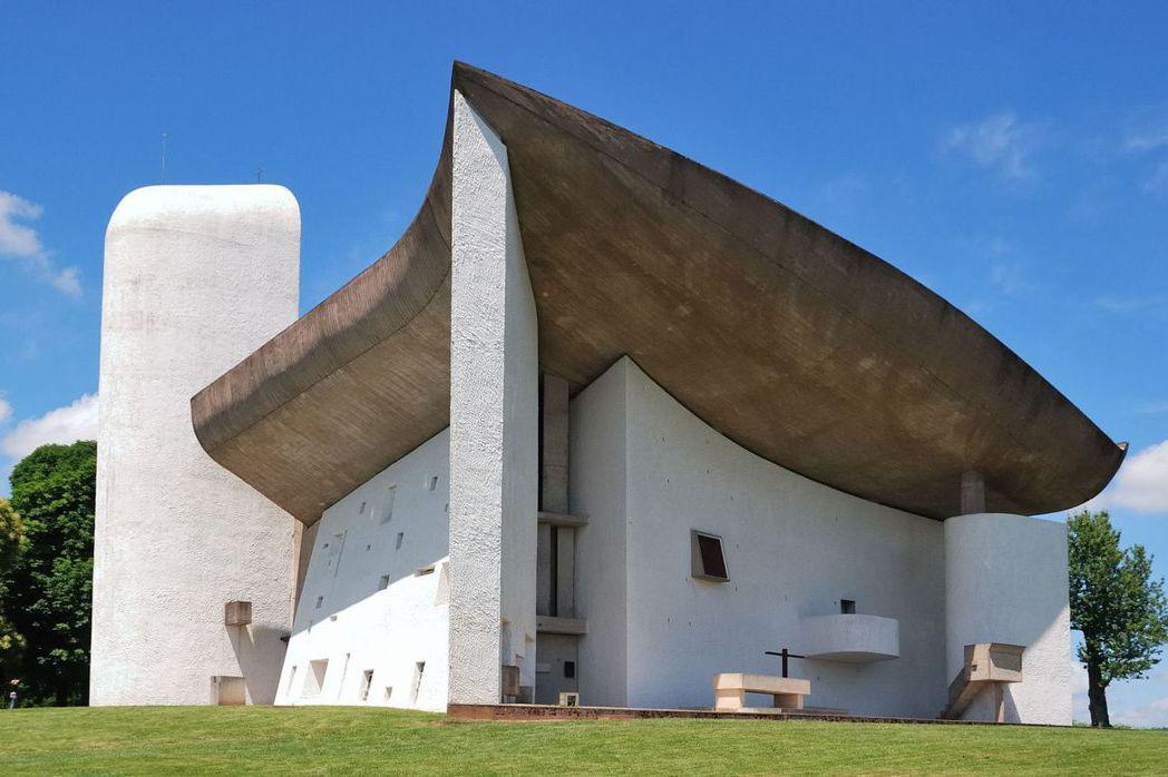 法國宏香教堂。 圖/取自維基共享