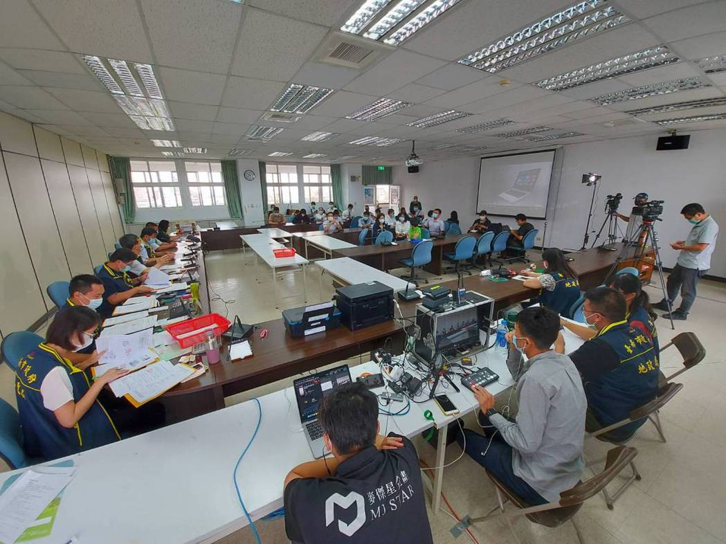 現場標售情形。  臺南市政府地政局 提供