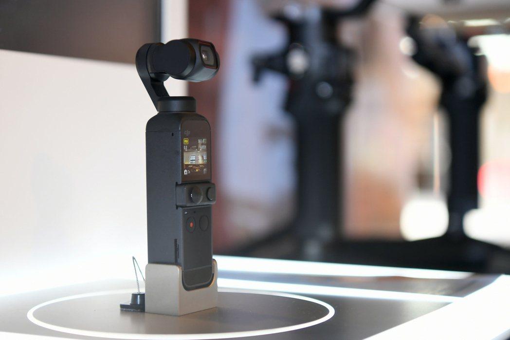 口袋相機DJI Pocket 2具備秒速開機、極速精準定位與對焦、智能跟隨3.0...
