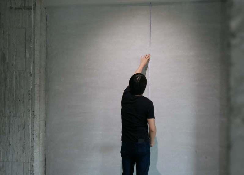 金馬賓館美術館與藝術家賴志盛融合,吸引企業白領注目。圖/永添藝術提供