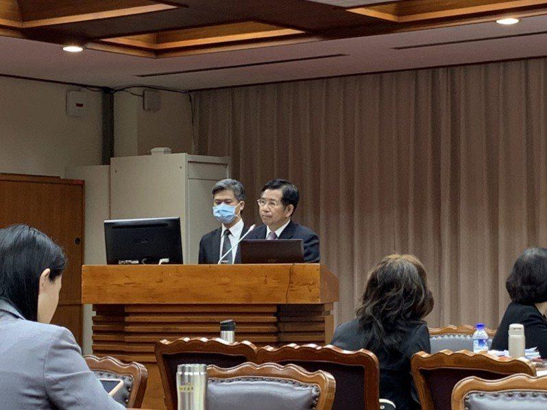 教育部長潘文忠今赴立法院教育及文化委員會備詢。記者趙宥寧/攝影