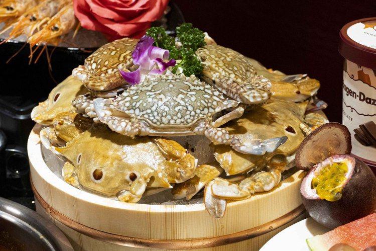 馬辣限時加碼推出「藍鑽蟹」等食材,均採無限供應。圖/馬辣提供