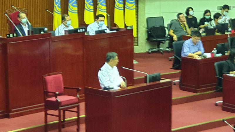 針對YouBike揮舉公益性大旗合理違法,北市長柯文哲表示,聽起來就是圖利廠商。記者胡瑞玲/攝影