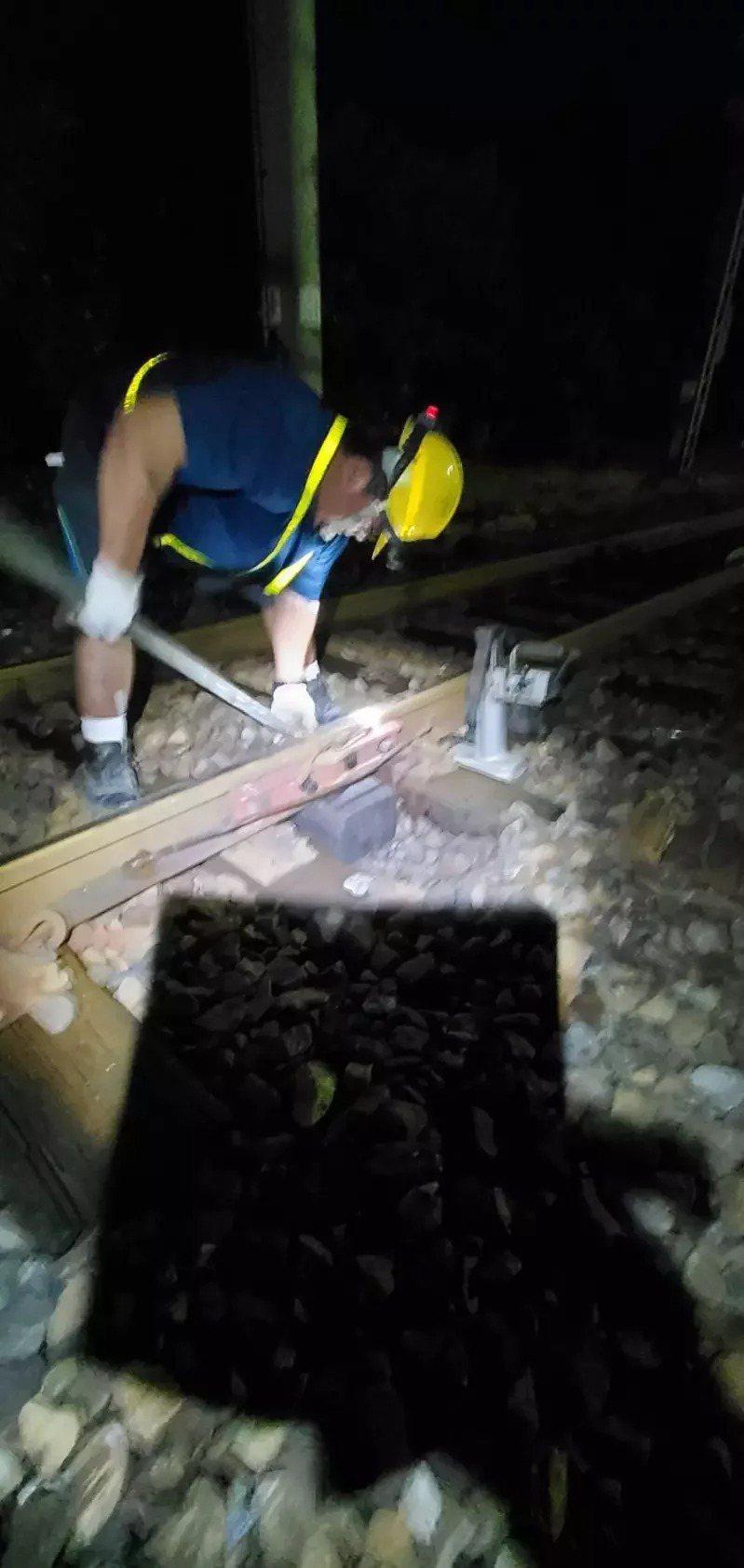 本月15日南澳到東澳站間也發生鋼軌斷裂事故。記者張議晨/翻攝