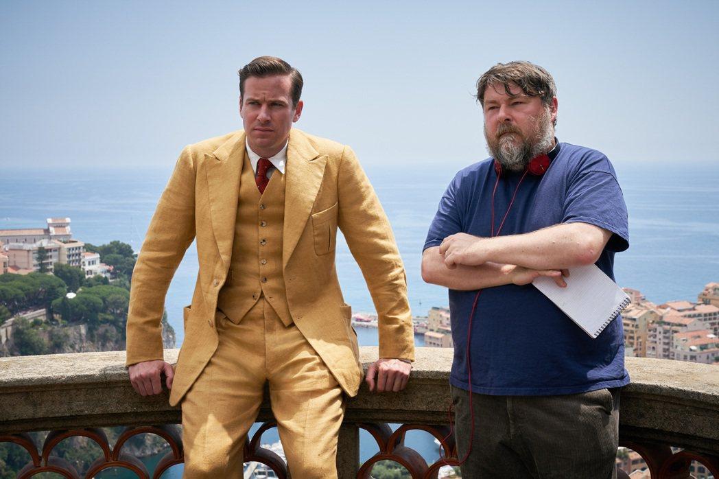 艾米漢默(左)與導演班懷特利(右)再度合作電影「蝴蝶夢」,演出神秘又生性多疑的富...