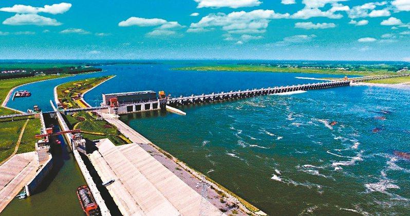 興隆水利樞紐,被譽為江漢平原第一壩。圖/本報湖北潛江傳真