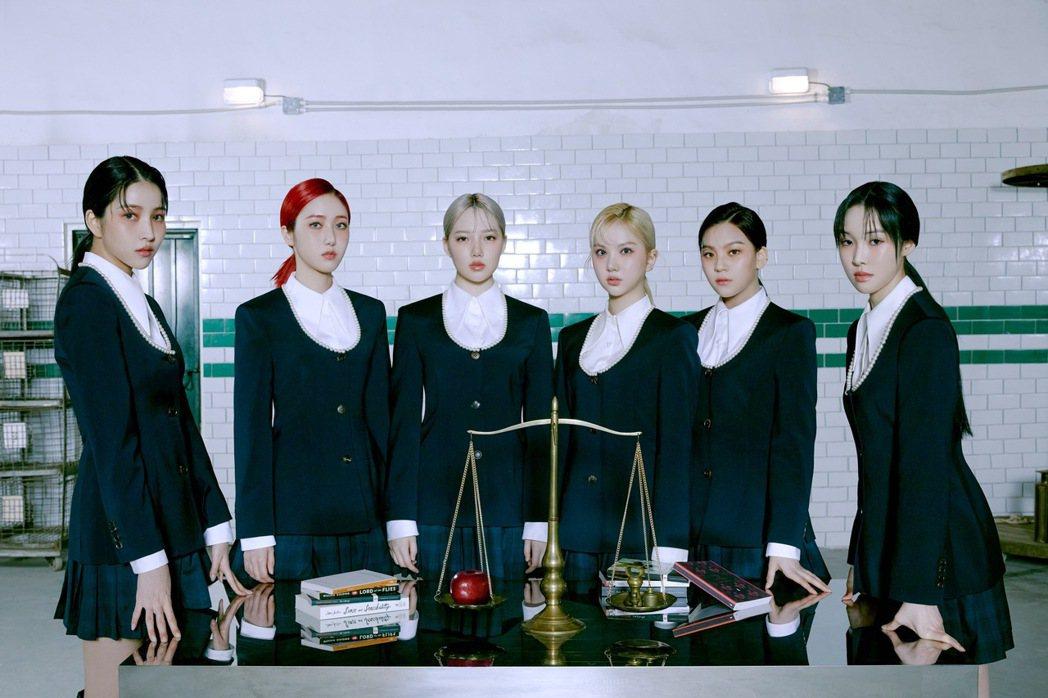 南韓女團GFRIEND出道5年,將於31日舉辦首場線上演唱會。圖/摘自推特