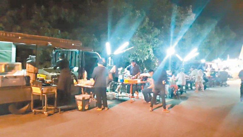 花蓮縣警局退休警官林錦生,開行動餐車到各部落服務。圖/林錦生提供