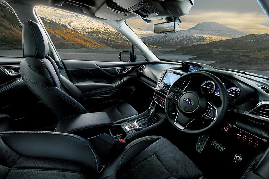 車艙方面則導入複合皮革包覆座椅、真皮方向盤、鋁製油門/煞車踏板等配件。 圖/Su...