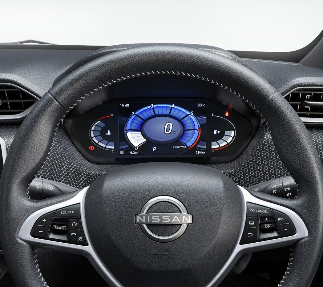 這級距的小車也能享有7吋虛擬液晶儀表板。 圖/Nissan提供