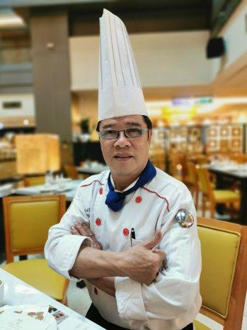 梁國權強調烹調美食就是藝術創作,港點不僅要道地、美味,更要真材實料。 圖/卜敏正...