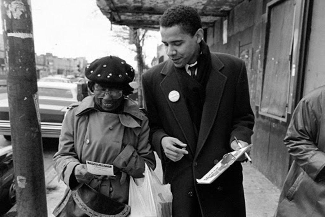 圖為青年時代的歐巴馬,在芝加哥協助推廣黑人選民登記。 圖/美聯社