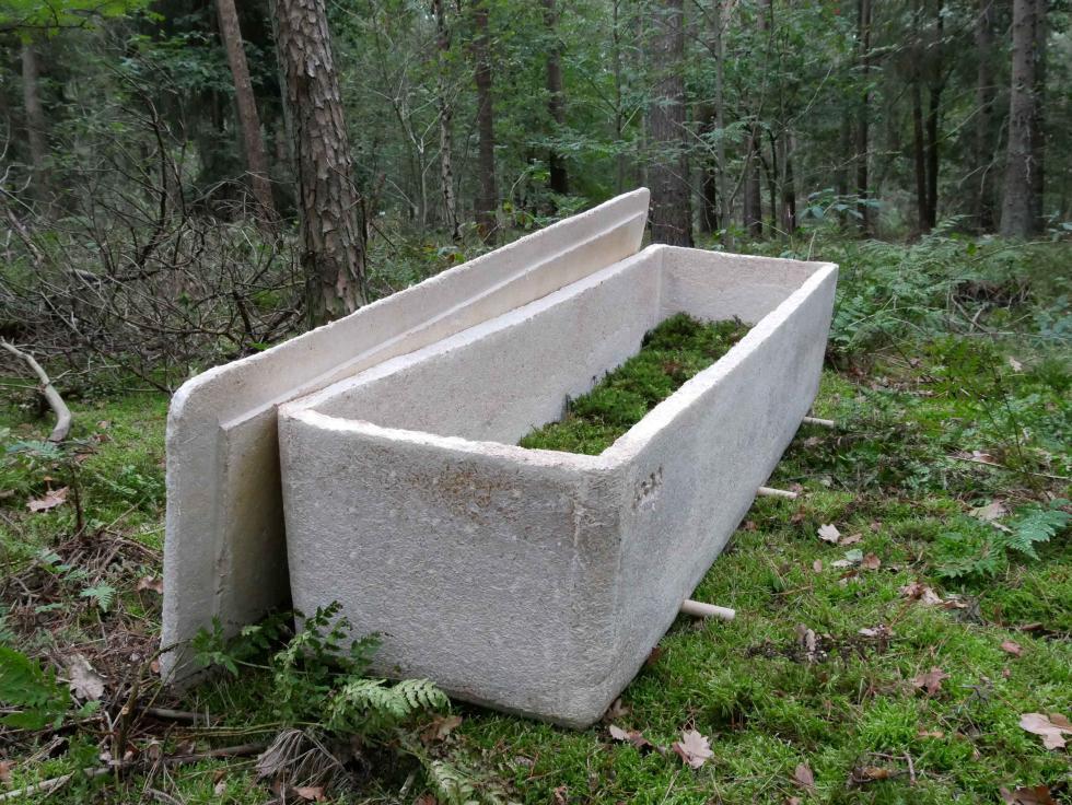 Studio Hendrikx打造的「活棺材」與地底真菌絲連結,讓人死後也能滋養...