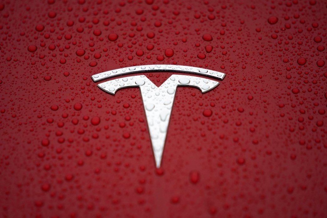 特斯拉(Tesla)連續第五季獲利。 路透