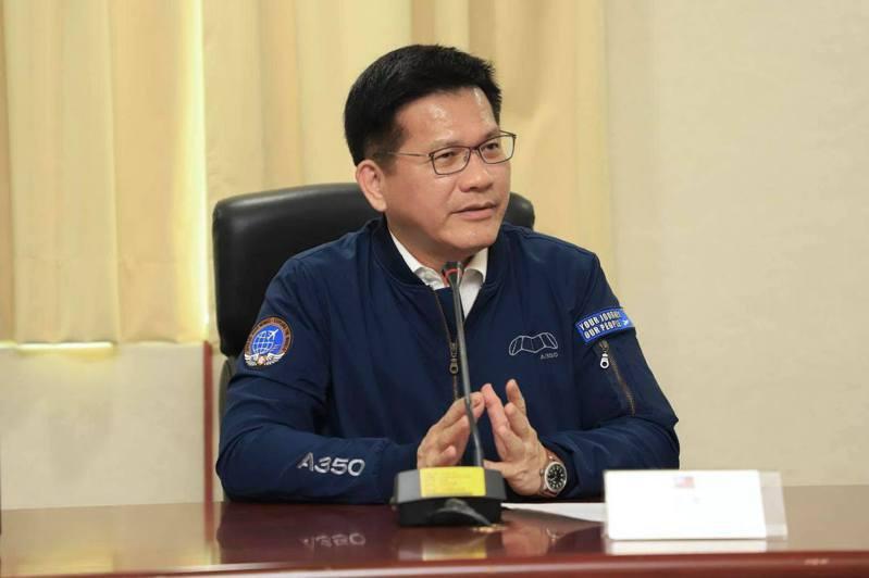 台鐵段軌事件,交通部長林佳龍表示,除了要求台鐵配合運安會提供詳細的資訊,也啟動調查、釐清問題、究責、加重懲處。圖/取自林佳龍臉書