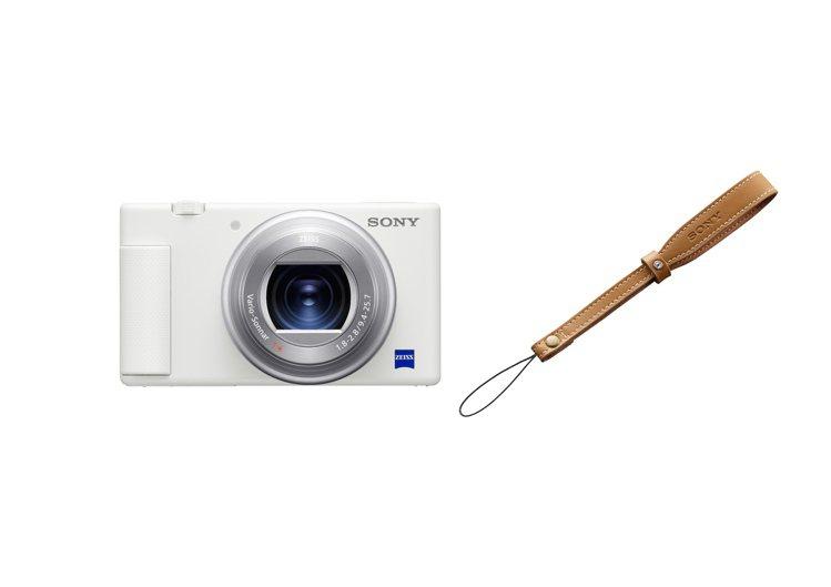 Sony ZV-1純粹極淨的白色機身,能完美融合於日常穿搭,還隨附施華洛世奇水鑽...
