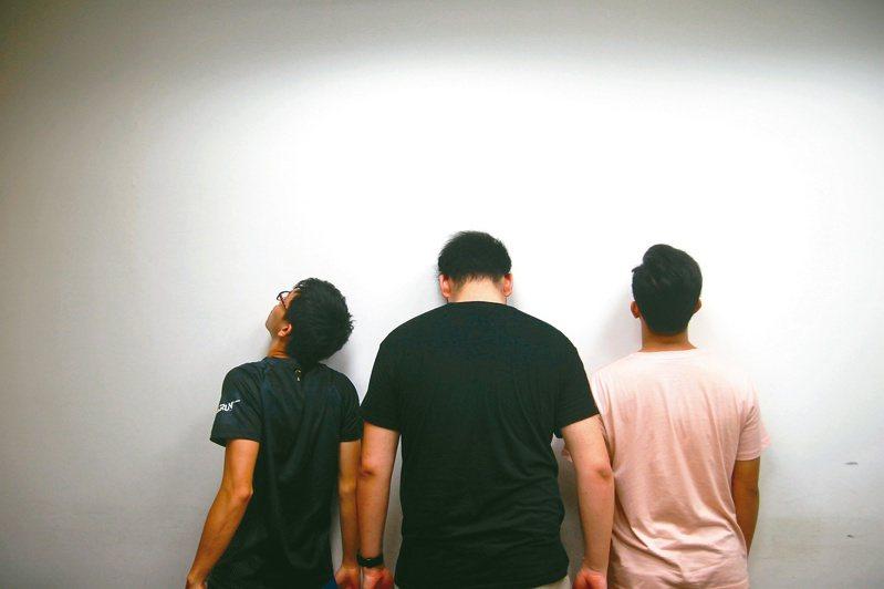 團隊成員,左起彭沅錡、彭靖、林衍辰。照片提供/The Islanders Media團隊