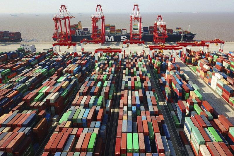 IMF最新「亞太區域經濟展望」下修亞太地區成長展望。 美聯社
