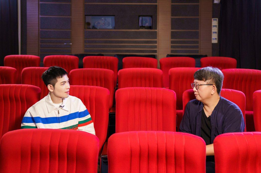 老蕭(左)多年前拍過一支公益短片是由楊導執導,因而有了合作的機會。圖/向上科技教...