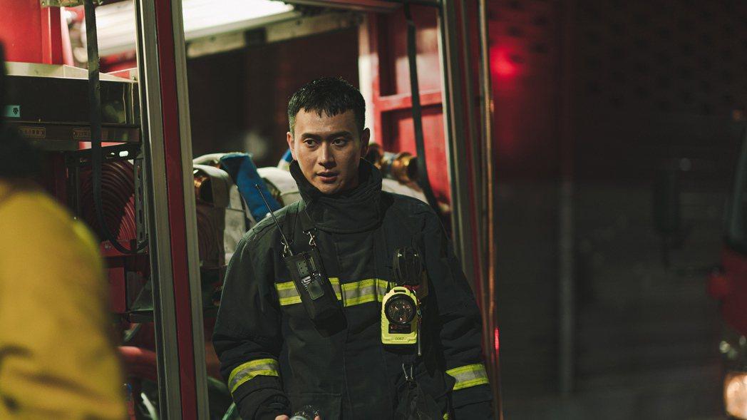 劉冠廷在「火神的眼淚」中飾演正義消防員。圖/公視提供