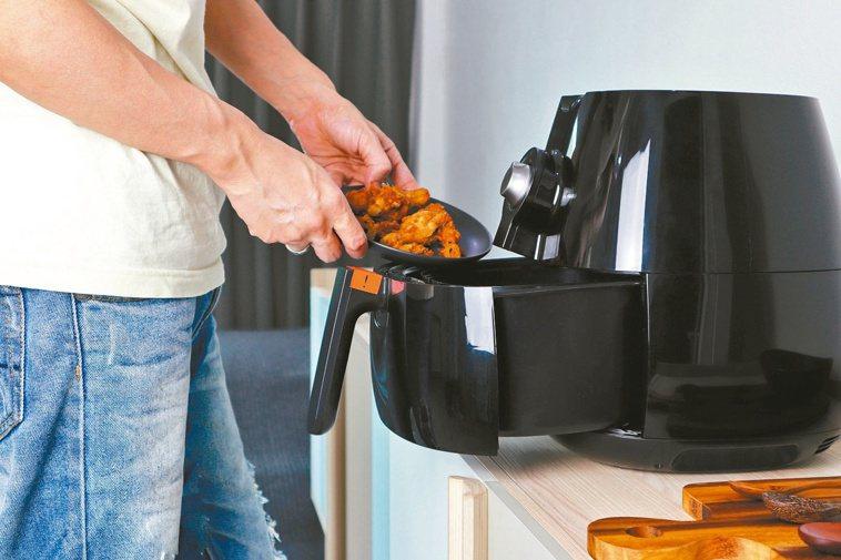 近年很夯的氣炸鍋真的健康嗎?圖/123RF