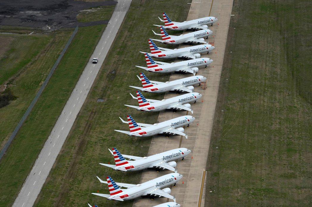 美國航空上季再次出現巨額虧損。路透