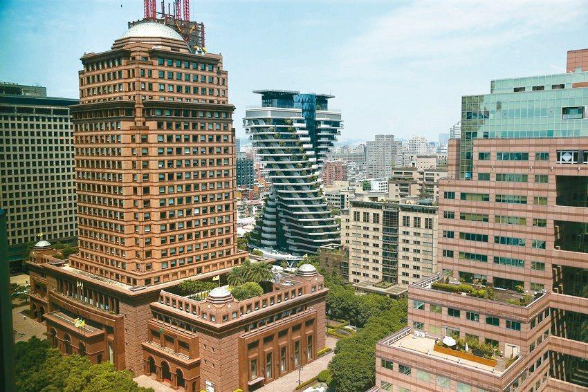 今年第3季北台灣預售、新成屋房價全面上漲,同步創下2018年房市反彈以來新高價。...