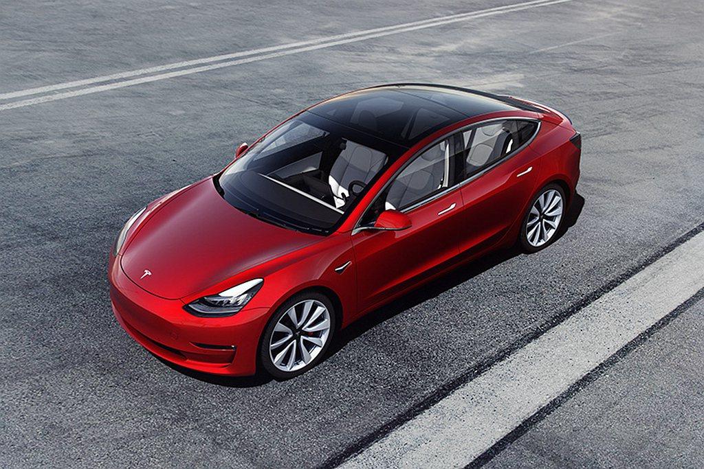 特斯拉舉辦女性限定的「Tesla Frunk前車廂空間驚喜提案」活動,邀請女性消...