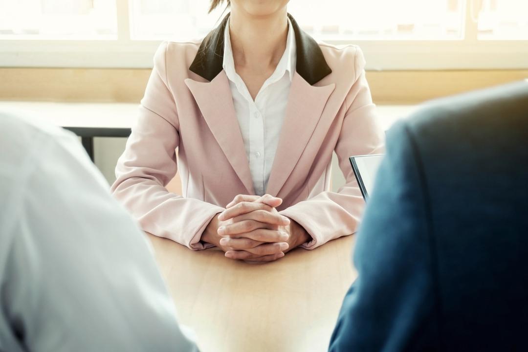 她國立大學研究所畢業又精通英日語 求職薪資讓人聽了傻眼